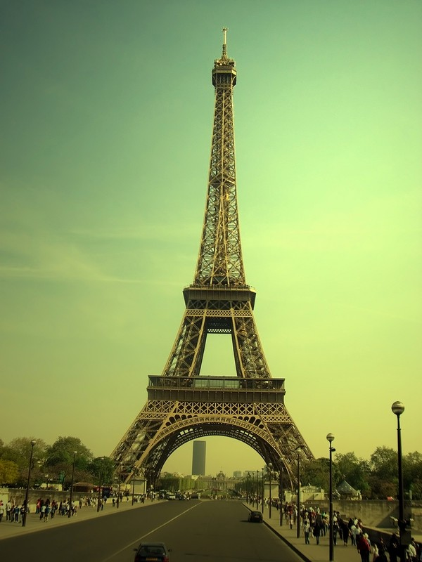 Le_tour_eiffel__vintage_view_by_amonrising