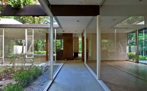 Kronish-Richard-Neutra-walk-Marc-Angeles-476x297