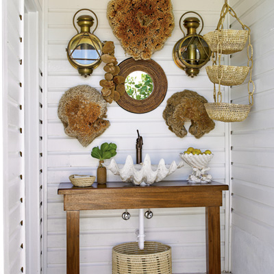 Beach-cabana-powder-room-l
