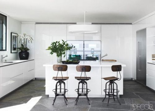 White-Kitchen-Design-with-Three-Chair-in-Counter-Top-540x389