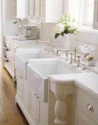 White-Kitchen-Cabinets-005
