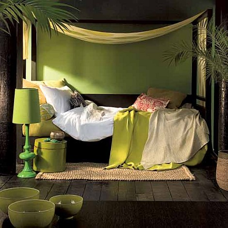 Tropic-Bedroom-in-green