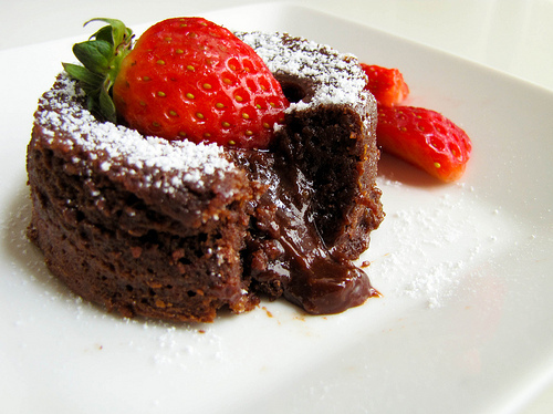 Cake-chocolate-dessert-food-pretty-food-strawberry-Favim
