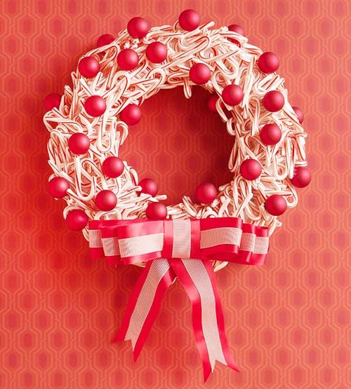 Christmas-decorations-ideas-candy-cane-wreath