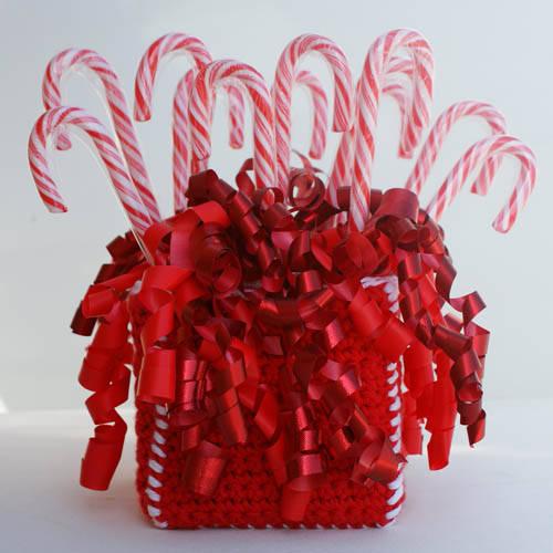 Candy_cane_dispenser_1