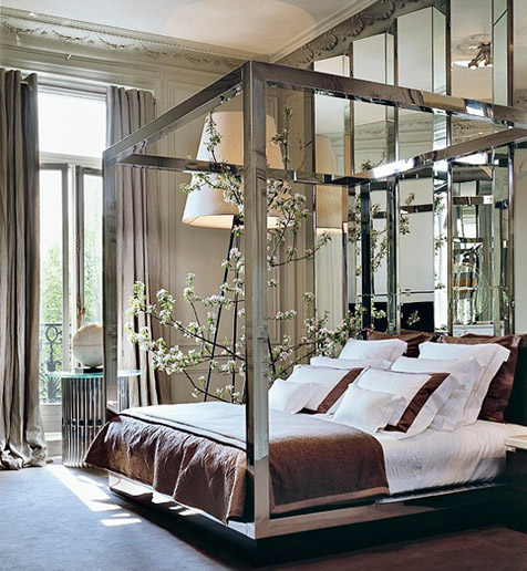 Mirrored bed chakib richani aechitect elie saabs apt paris