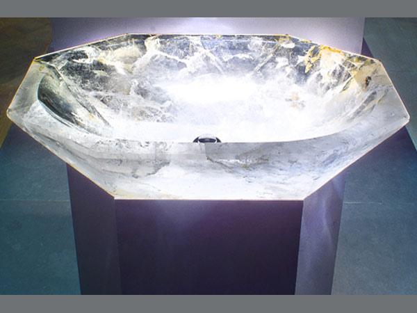 Crystal_rock_basin