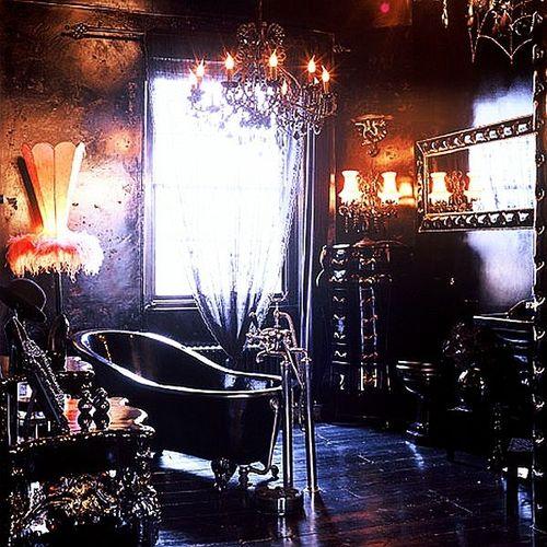 Gothic-Inspired-bathroom-interior