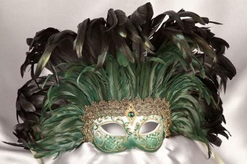 Green_feather_masks_PENNA04G